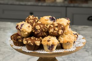LSI-7768 - Muffins on Stand_1000