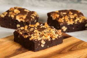 LSI-7815 - Brownies with Nuts on Cutting Board_1000